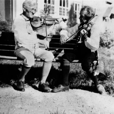 Jon Erik Öst (höger) 1940
